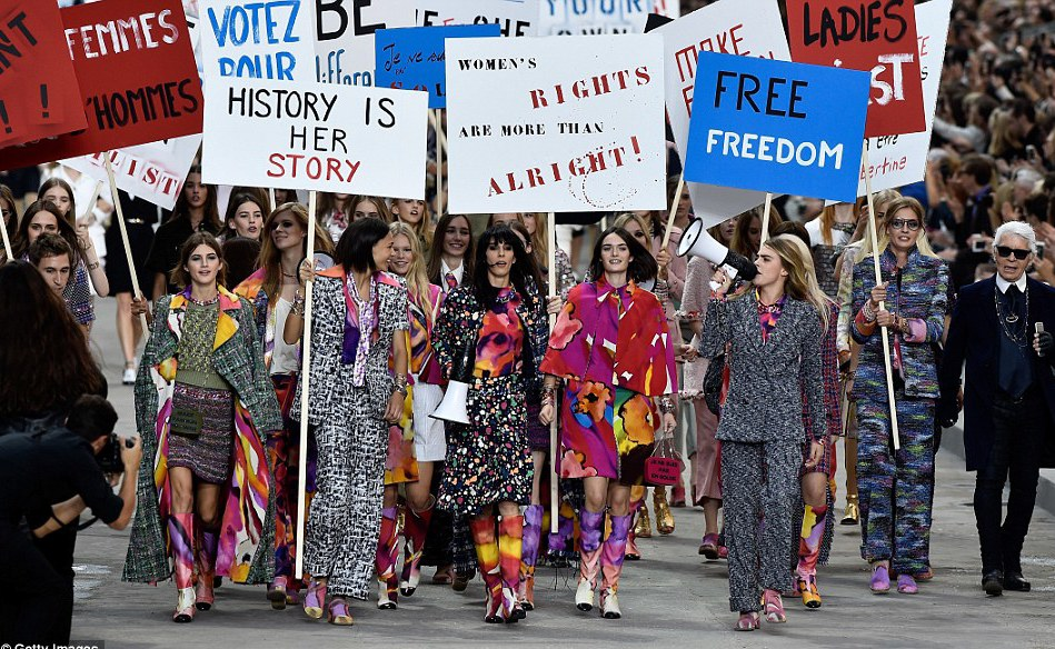 Chanel, Chanel Runway Show, Paris Fashion Week, Karl Lagerfeld, 2014 Best Style Moments
