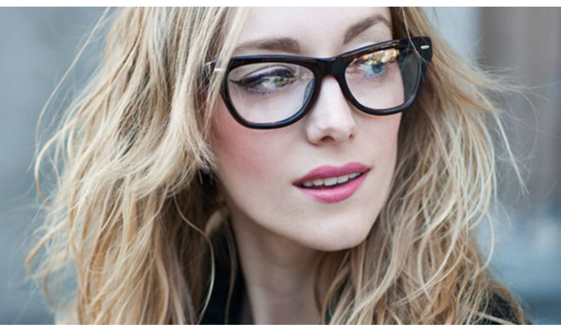 Makeup Tips for Looking Good in Glasses