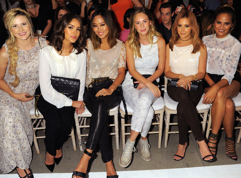 cc523ff6e4d Tag  front row. Star Style At New York Fashion Week