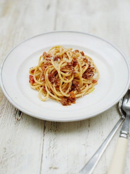 jamie oliver, cooking, spaghetti bolognese