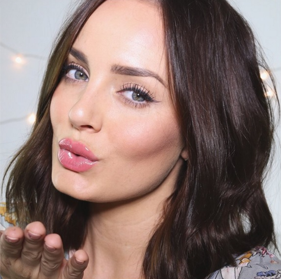 Australian Beauty Blogger - Chloe Morello