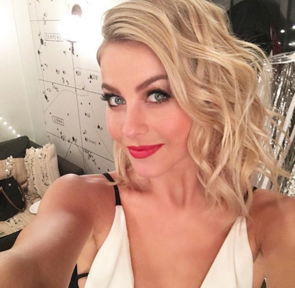 Steal Her Style-Julianne Hough