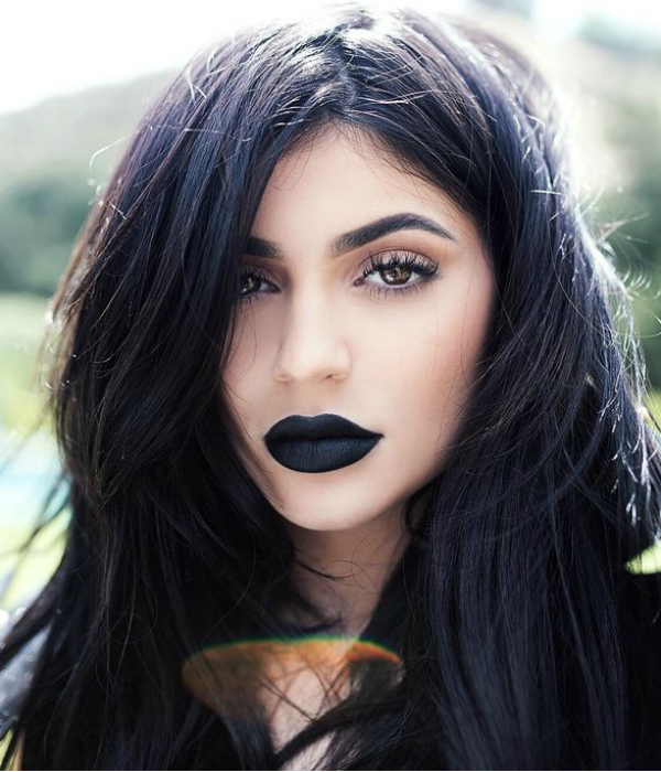 Kylie Jenner, celebrity, winter, make up
